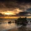 Храм Танах Лот на острове Бали