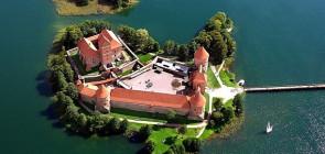 Тракай — замок на воде в Литве