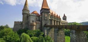 Замок Корвинов в Румынии
