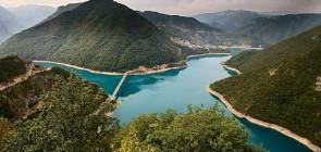 Пивское озеро в Черногории