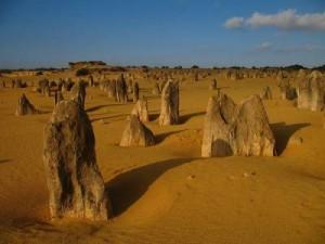 кладбище из глыб в пустыне