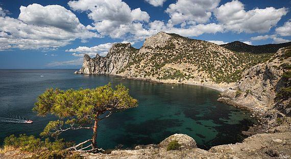Тихая бухта в Крыму