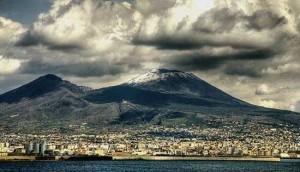 Вулкан Везувий по праву называют одним из символов Италии