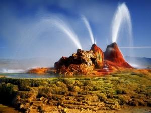 сверкающие гейзеры в пустыне