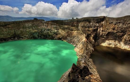 Озера Кели Муту на острове Флорес (Индонезия)