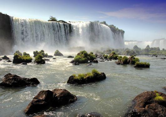 Прекрасный водопад Игуасу