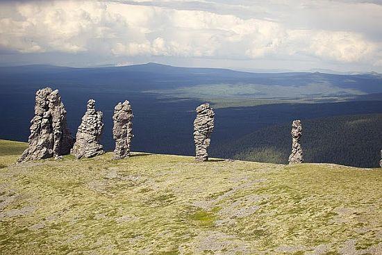 Столбы выветривания на плато Мань-Пупу-нёр