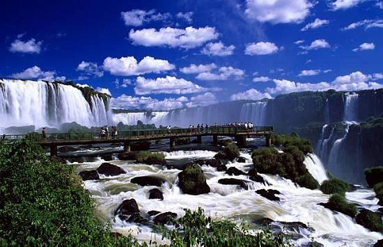 Водопады Игуасу - настоящее чудо света