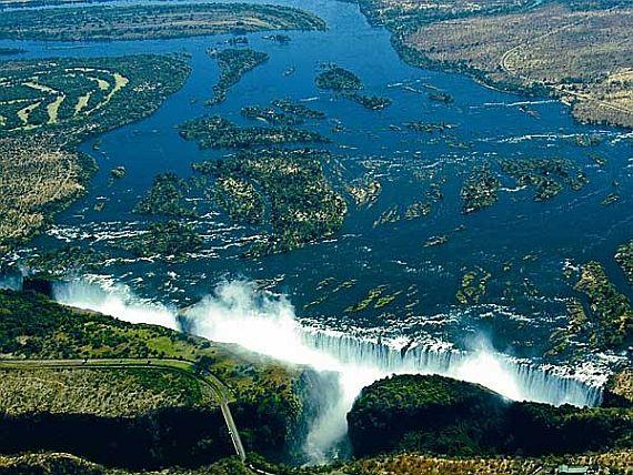 высота водопада виктория