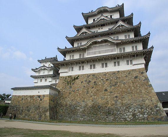 замок химедзи япония