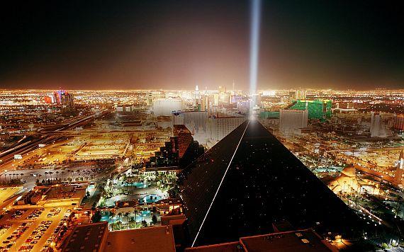 лас вегас пирамида