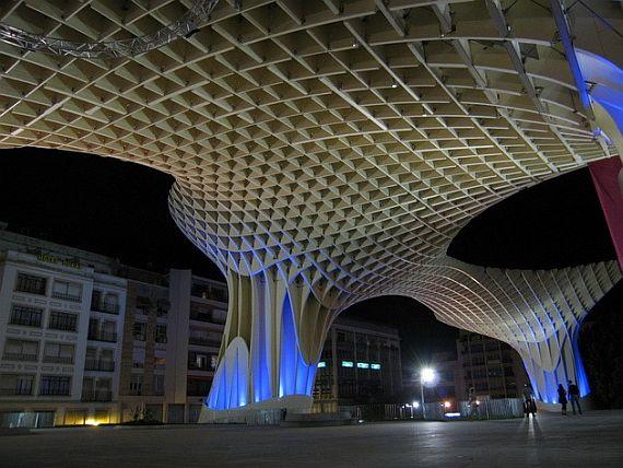 Metropol Parasol ночью