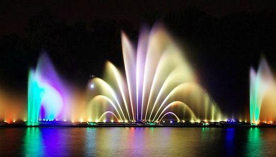 красивый фонтан на украине