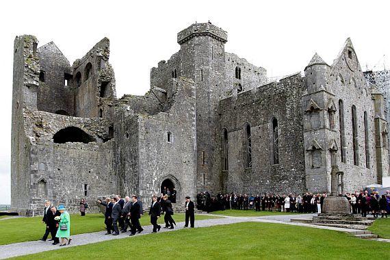 замок Кашел в Ирландии