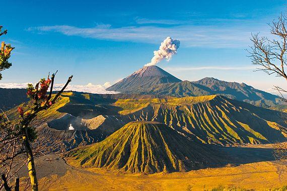 Остров Ява - опасный вулкан Мерапи