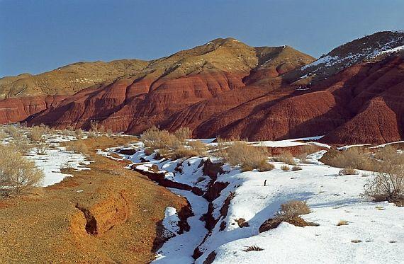 горы актау в Казахстане