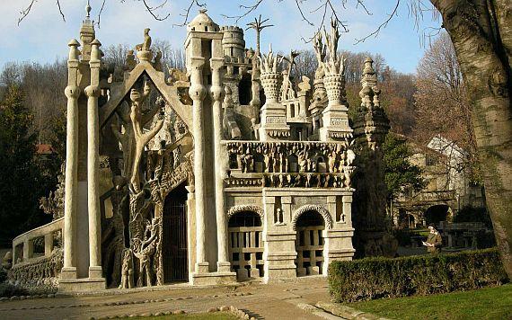 Дворец Фердинанда Шеваля во Франции