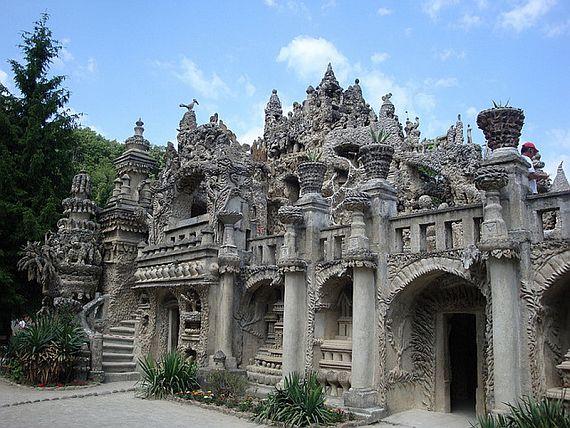 Необычный дворец Фердинанда Шеваля