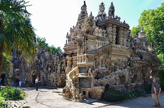интересный дворец франции