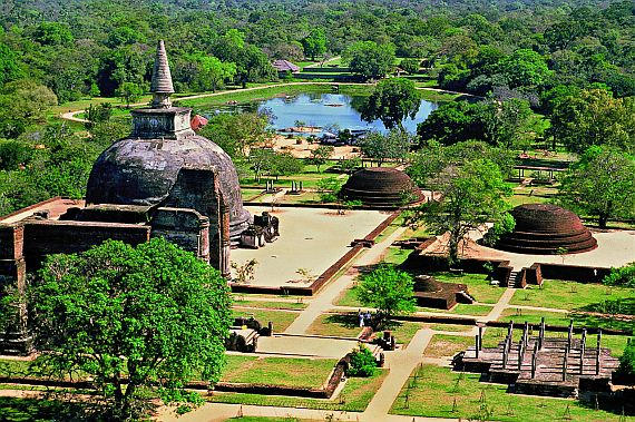 Анурадхапура - древний город в джунглях