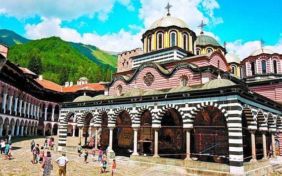 Рыльский монастырь в Болгарии