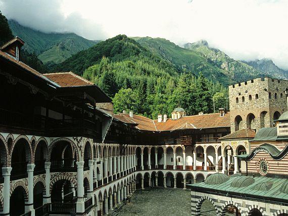 рыльский монастырь фото