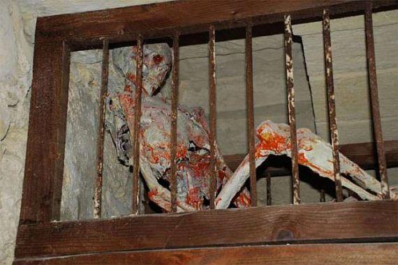 скелет музея пыток