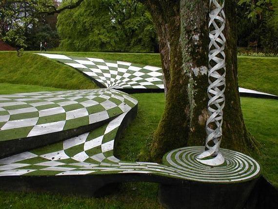 сад космических размышлений в Шотландии