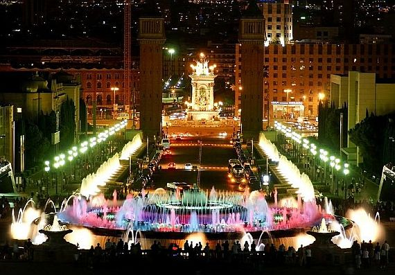Монжуик - поющий фонтан в Барселоне