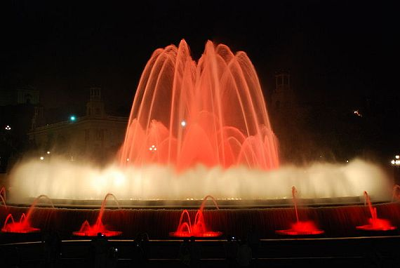 поющие фонтаны в барселоне видео