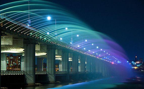 Мост в Южной Корее Банпо