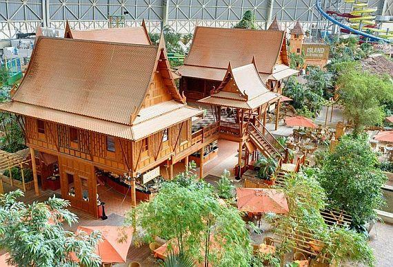 Tropical Islands Resort домики