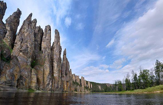 Ленские столбы на реке Лена