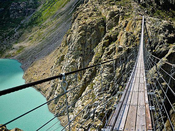 Мост Трифт в Швейцарии