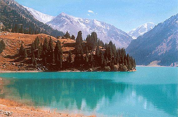 озеро горячее Исык Куль