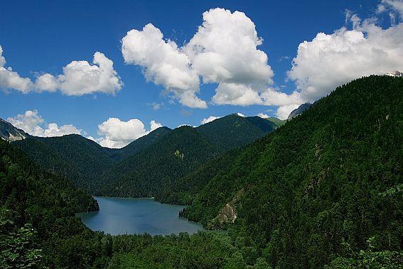 Высокогорное Озеро Рица