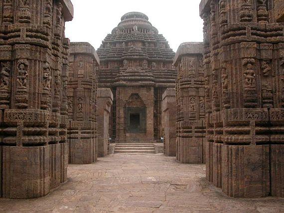 Храм Солнца в Конараке, вид спереди