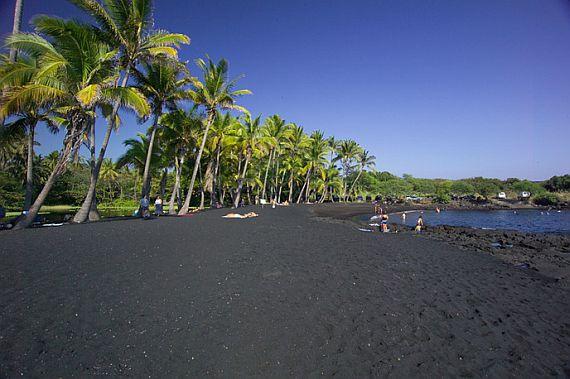 Черный Пляж Пуналулу на Гавайях