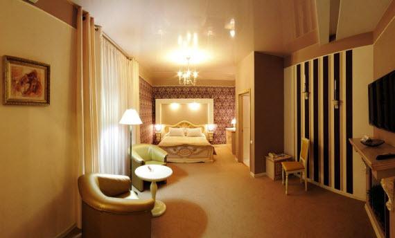 http://hotel-velur.com/