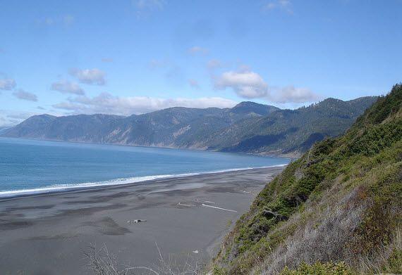 Пляж на Затерянном острове в Калифорнии
