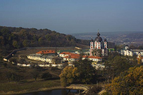 Монастырь в Молдове