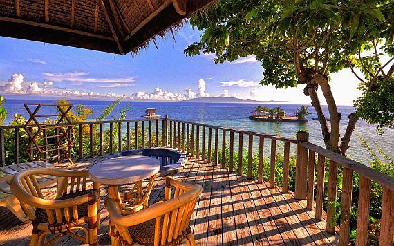 Остров Бохол, отель на берегу моря