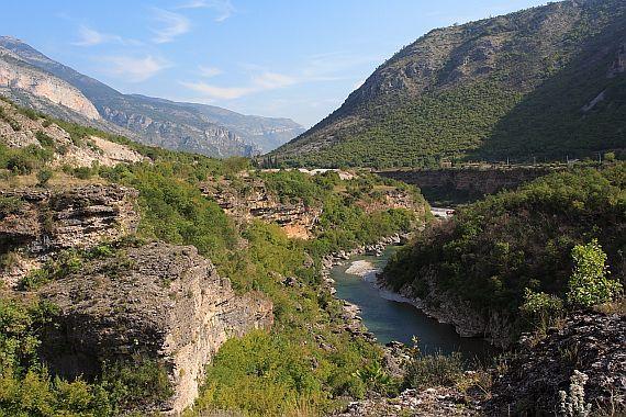 Река Морача. Черногория