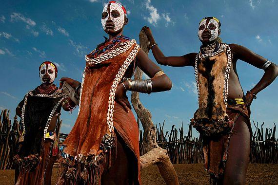 Туризм. Народы и племена