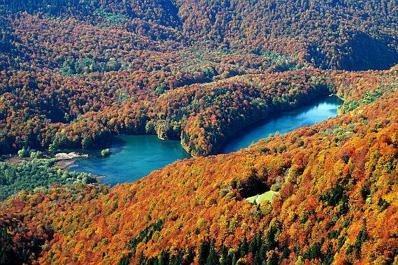 Биоградское озеро в фото