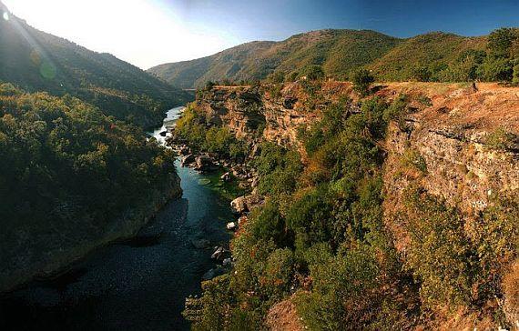 Каньон реки Морача фото
