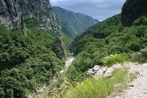 Каньон реки Морача в Черногории