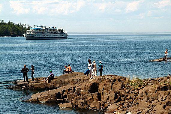 Отдых на Черноморском побережье и отдых в Карелии