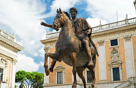 Статуя Марка Аврелия в Риме