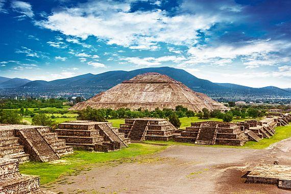 Пирамиды Солнца и Луны Теотиуакан